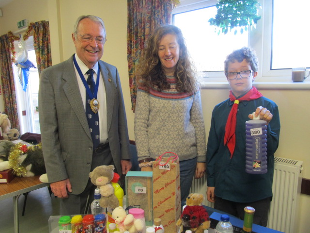 New Romney Mayor Peter Coe with Belinda and Max at the Bottle Tombola
