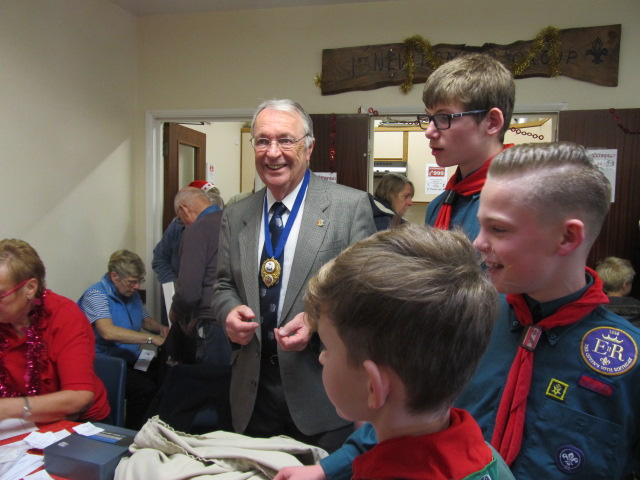 New Romney Mayor Peter Coe –assisted by Scouts at the Grand Draw